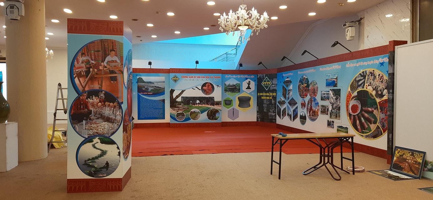 Backdrop gian hàng sự kiện